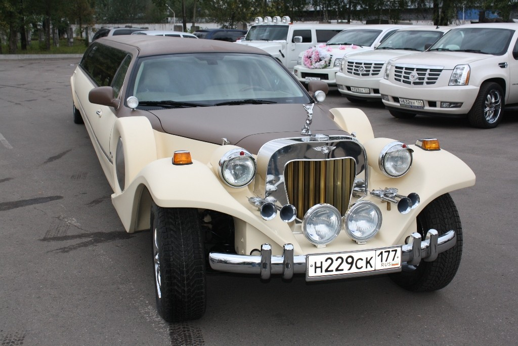 Лимузин Excalibur Phantom в аренду