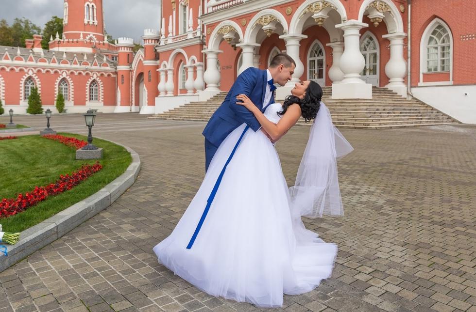 универсальный петровский путевой дворец фото свадьбы чудесный